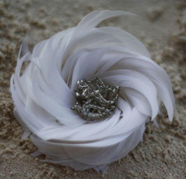 feather flower tutorial for headband fascinators | Arabella Rose