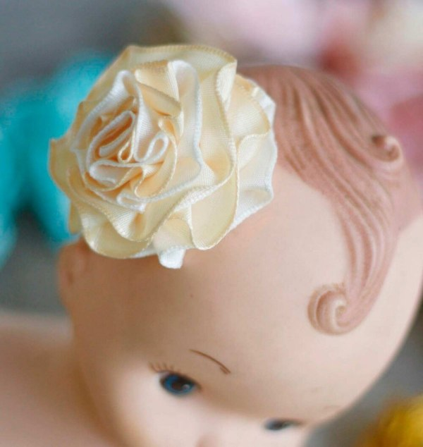 How to make fabric ribbon flowers with the Summer Amelie Tutorial