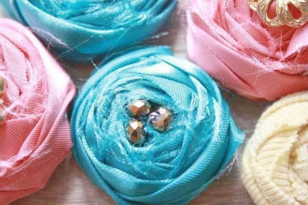 Rolled Rose Cabochons | A Fabric Flower Tutorial