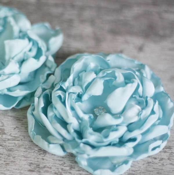 How to make silk fabric flowers with the Fluffy Cabbage Rose Tutorial.