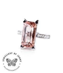 Ring med rosa morganit och diamanter