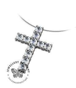 kors med diamanter