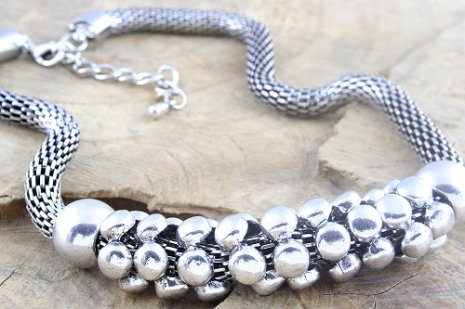 costume-jewellery-bracelet