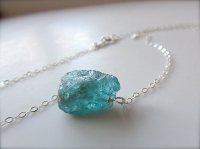 raw-gemstone-necklace