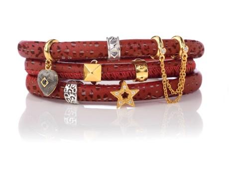 JLO_red_bracelet