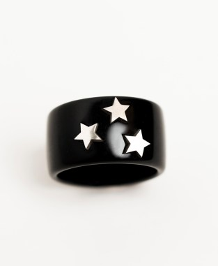 Black ring with 3x silver stars