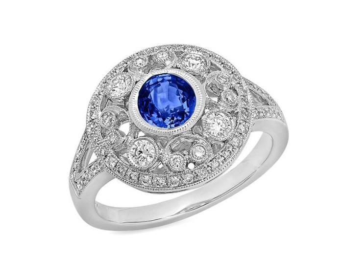Blue Sapphire_diamond RIng