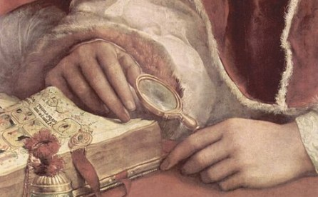 Raphael magnifying lens