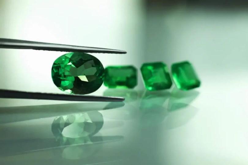 Loose cut green emerald gemstone