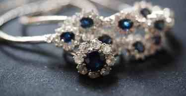 Sapphire-diamond floral engagement ring