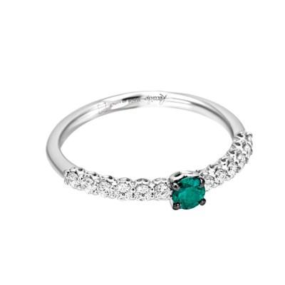 anello gambo sgriffato e smeraldo