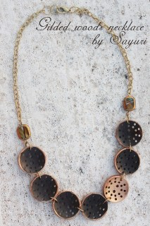 wooden button necklace DIY