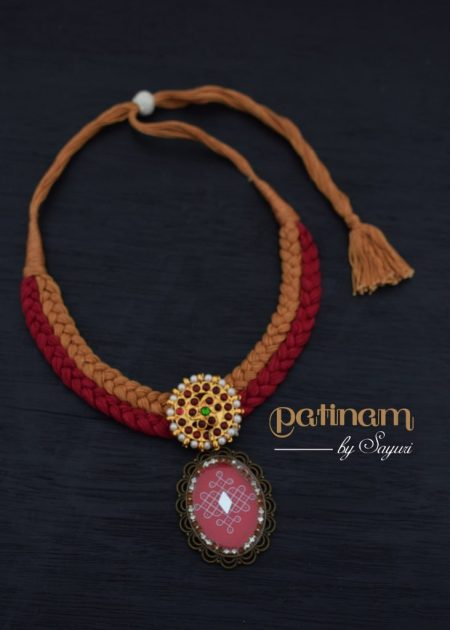 kolam necklace