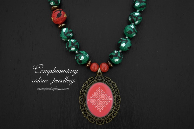 Complementary colour jewellery