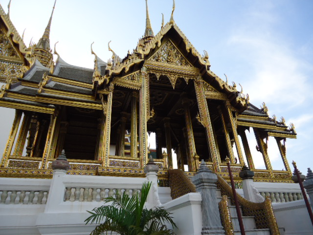 Grand Palace in Thailand. Photo credit: www.jeyjetter.com