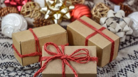 Best online Charity Shops for Christmas Gifts