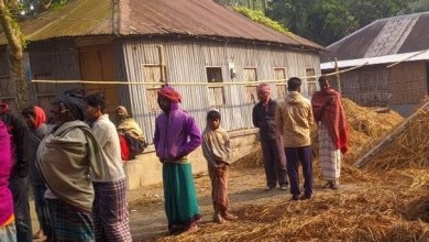 Photo of খোকসায় শত্রæতার জের ধরে বাড়িতে আগুন