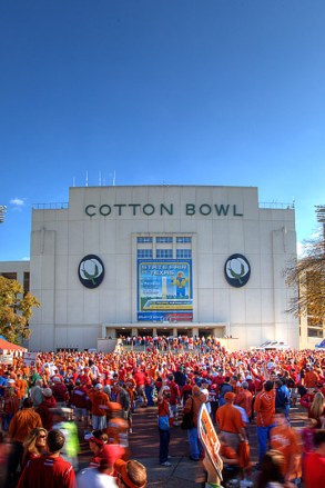 Texas-OU Game at the Cotton Bowl