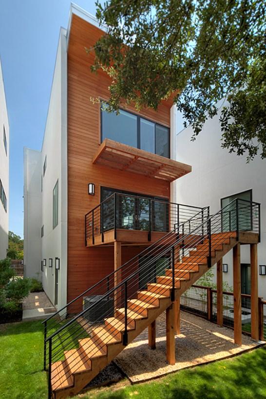 PSW exterior back - 5011 Balcones
