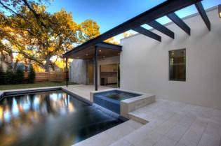 Courtyard3657