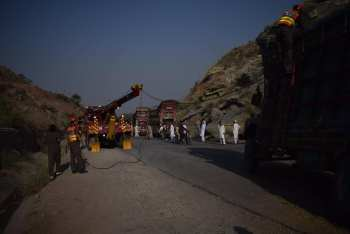 recovery crane at work pakistan
