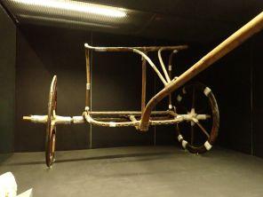 العجلة الحربية معروضة في متحف الاقصر