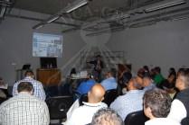 أستاذ ساكاموتو كي يعرض مشاريع هيئة الجايكا أمام الحضور