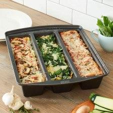 Chicago metallic professional Lasagna Pan with Dividers