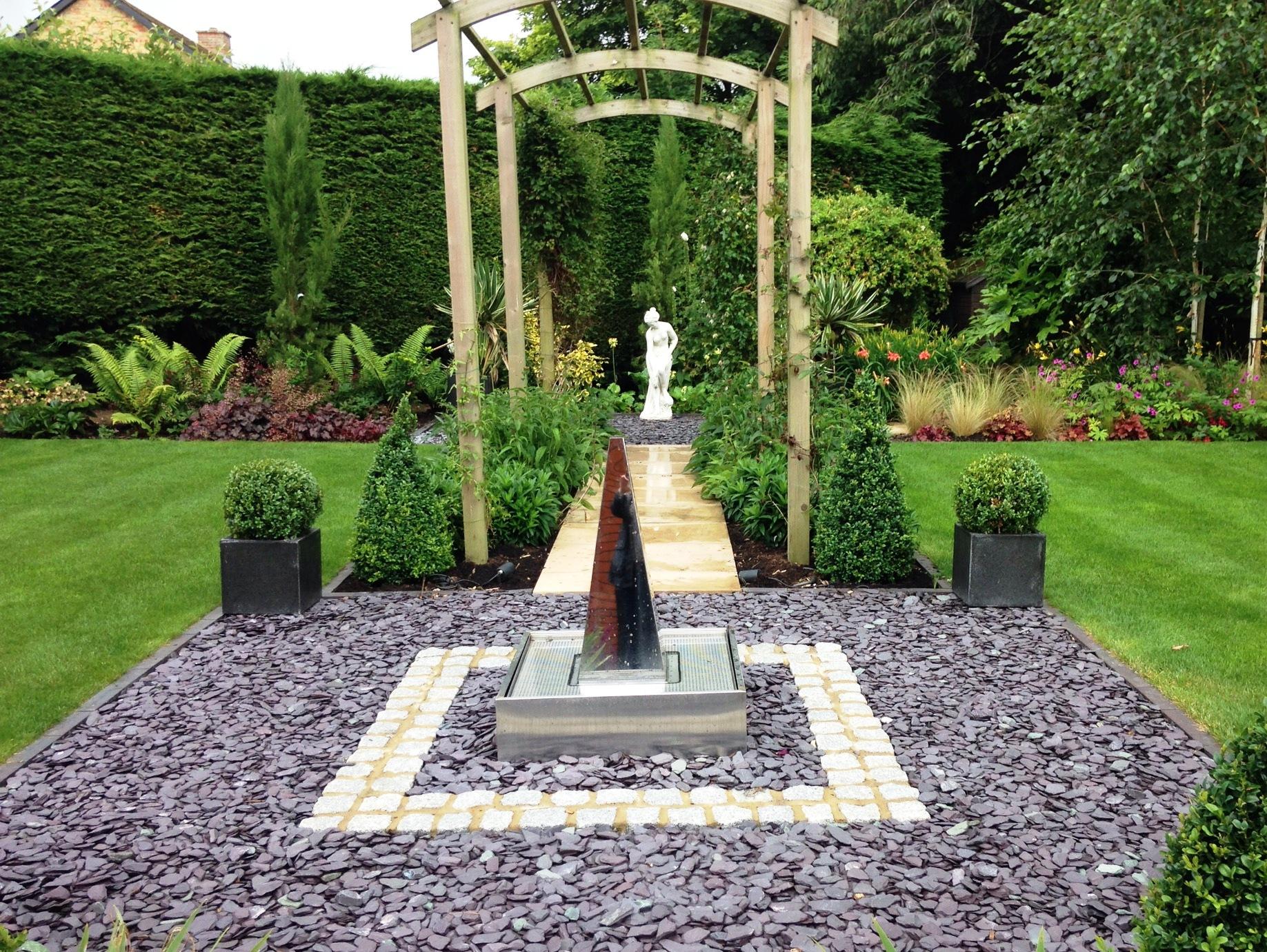 Contemporary garden design swindon wiltshire rhs medal for Suzhou architecture gardens landscape planning design company limited