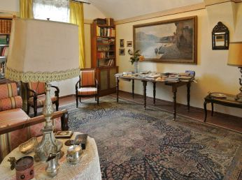 Comfort and antiques Villa, Farnese, Italy