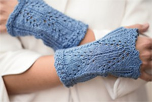 Jill in Love of Knitting: Bromley Mitts