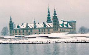 Kronborg Cowl: Kronborg in Winter