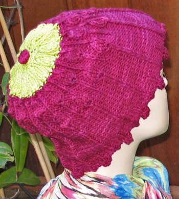 Lisse Hat Pattern Cerise-three-quarters