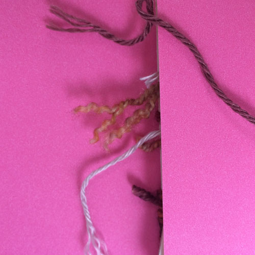 Wraps per inch: Unraveled end of yarns
