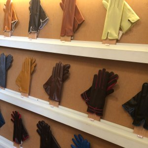 Spring 2017 Travel: Gloves at Ulisses