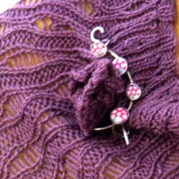 Kaikoura KAL: Floral with shawl pin