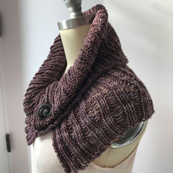Naples Collar & Cowl: Worsted Cowl in It Could Be Worsted, side view