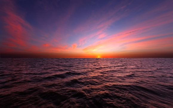 The-horizon-of-the-sea-beautiful-sunset-sky_1440x900