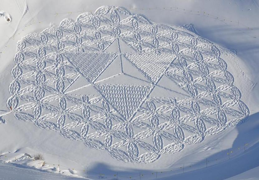 from http://media.trendland.com/wp-content/uploads/2012/12/simon-beck-snow-art-2.jpg