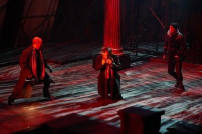Hamlet 11 - Photo: Peter Wochniak
