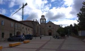 Poutní klášter v San JUan de Ortega při Svatojakubaské cestě ve Španělsku