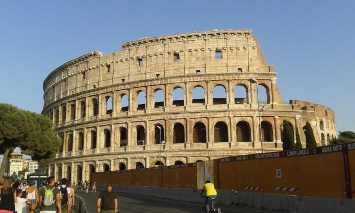 Koloseum v městě Řím v Itálii