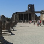 Forum v Pompejích v italském městě pod sopkou Vesuv