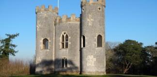 Blasce Castle v městském parku Blaise Estate v Bristolu