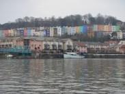 Bristolský přístav a přístavní čtvrť v centru města Bristol.