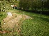 Nově zřizovaná zahrada na začátku května