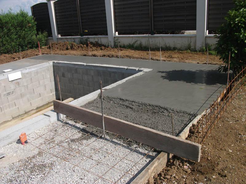 Construire sa piscine en beton banche  Jardin piscine et Cabane
