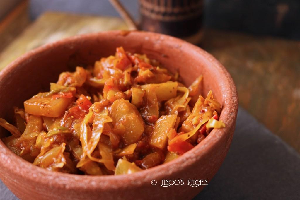 Cabbage curry bengali style | Cabbage potato curry | Bandh gobhi aloo sabzi  for chapathi