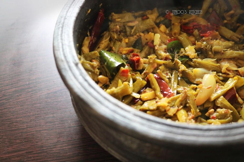 Achinga payar mezhukkupuratti | long beans stir fry kerala style