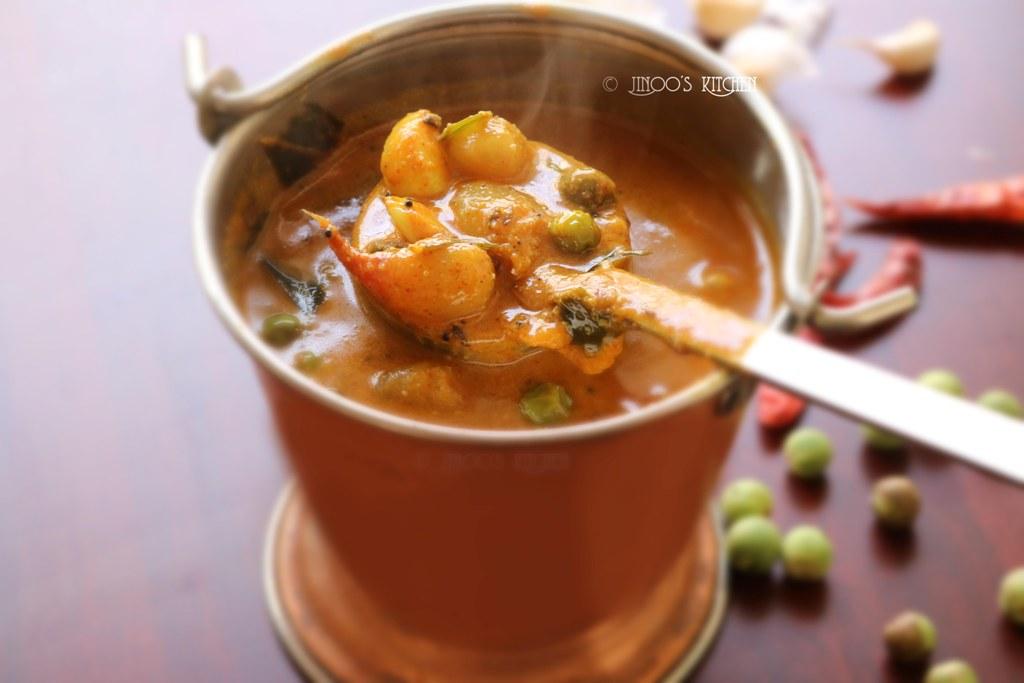 Sundakkai kara kulambu | turkey berry garlic curry for rice